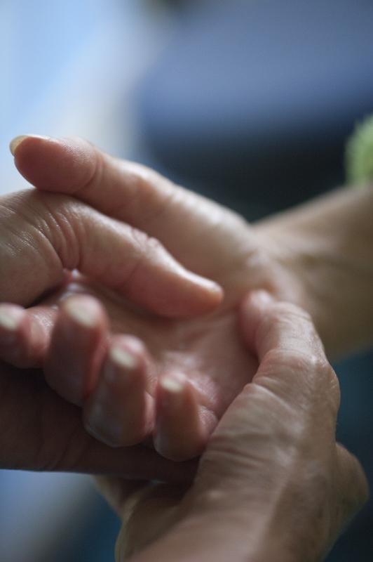 massage bij kanker biedt ontspanning , van vitaal belang bij dit stressvolle proces
